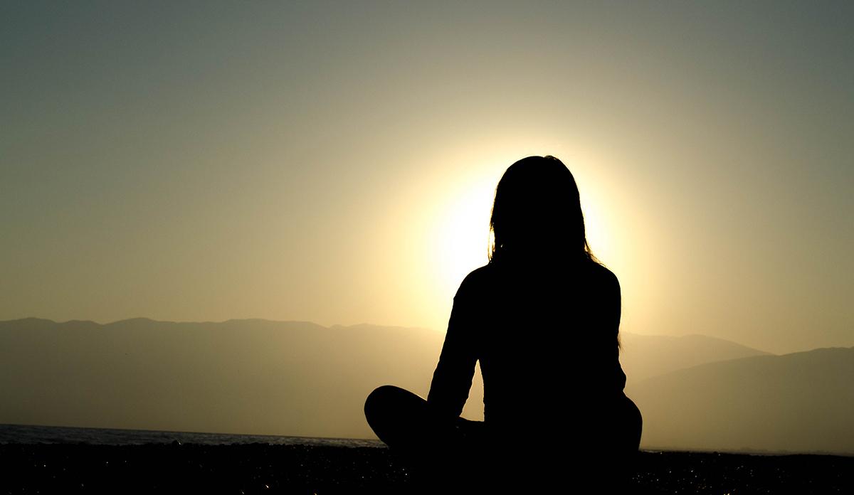Comment méditer avec un bol chantant Tibétain